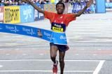 gebrselassie-takes-another-strong-10k-victory