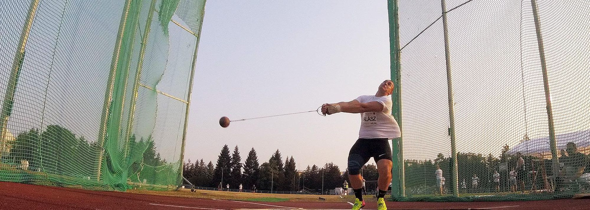 European bronze medallist Bence Halasz delighted the home crowd at the Pal Nemeth Memorial by winning the men's hammer, while North American record-holder DeAnna Price won the women's contest at the IAAF Hammer Throw Challenge meeting in Szombathely on Tuesday (27).