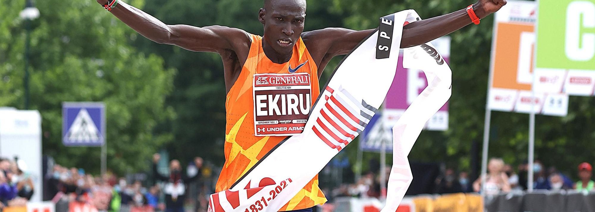 Kenya's Titus Ekiru and Ethiopia's Hiwot Gebrekidan recorded world-leading times of 2:02:57 and 2:19:35 to break the Italian all-comers' records at the Generali Milano Marathon, a World Athletics Label road race, on Sunday (16).