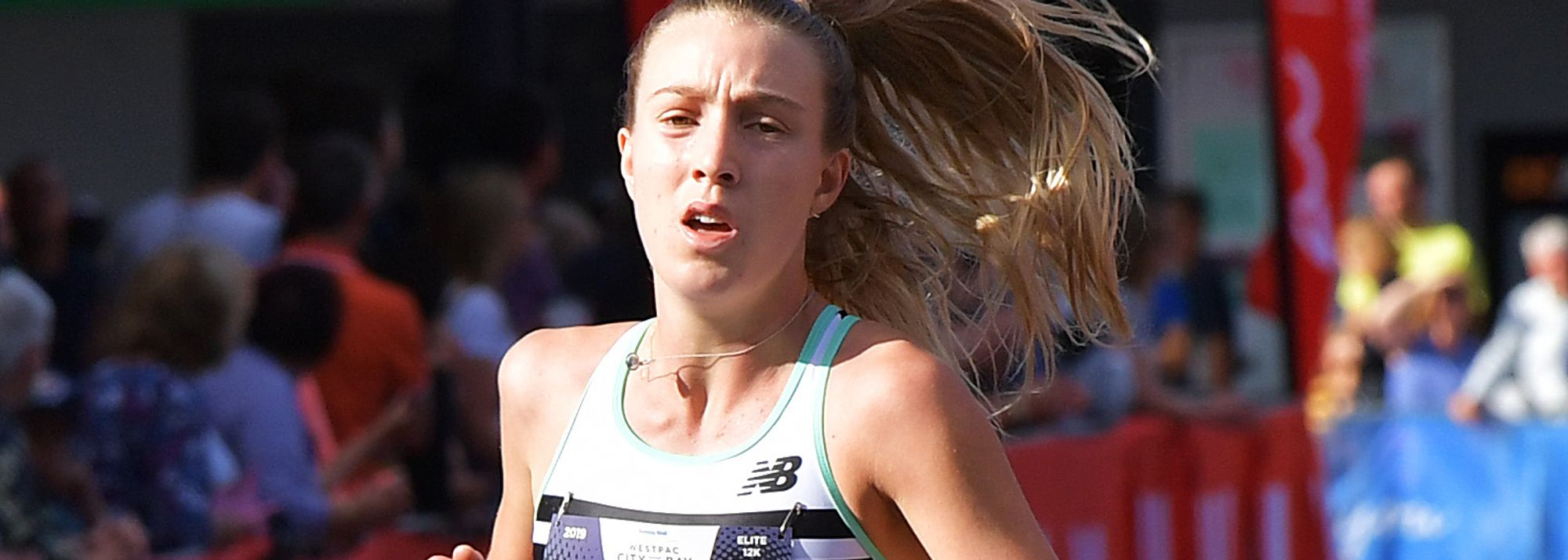 Rose Davies and Brett Robinson take 10,000m titles, Linden Hall impresses over 1500m