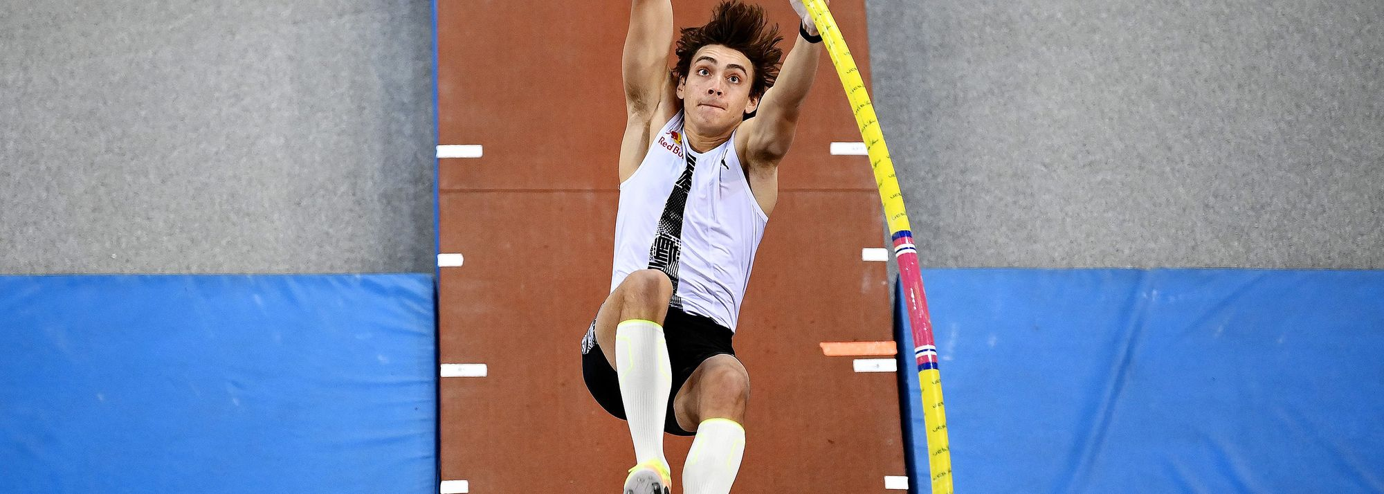World record-holder Mondo Duplantis returned to action at the Serbian Open Indoor Meeting in Belgrade, winning the pole vault with a world-leading 6.10m