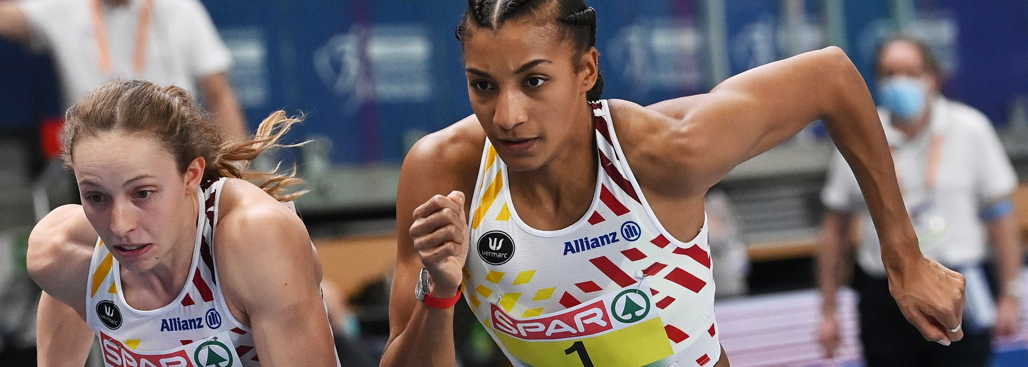 Olympic heptathlon champion Nafissatou Thiam highlighted the first day of finals at the European Indoor Championships in Torun on Friday (5) as the Belgian won the pentathlon with a world-leading national record of 4904.