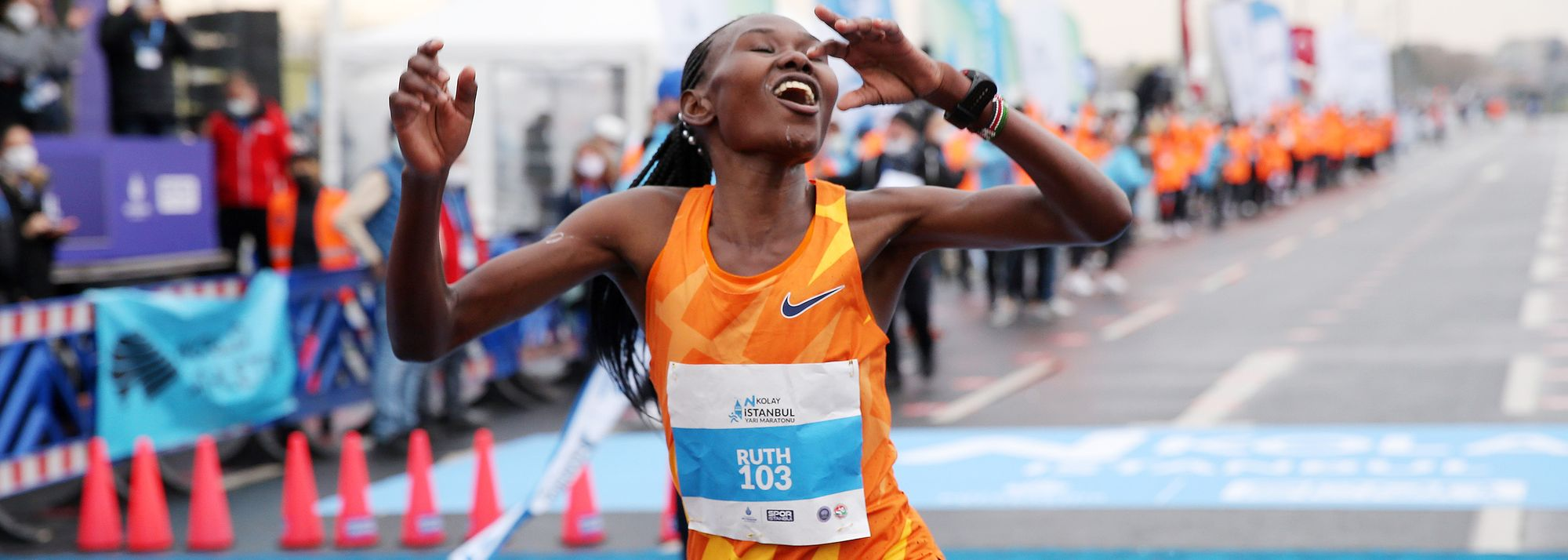 Chepngetich's 1:04:02 half marathon and Niyonsaba's 5:21.56 2000m world records are now official