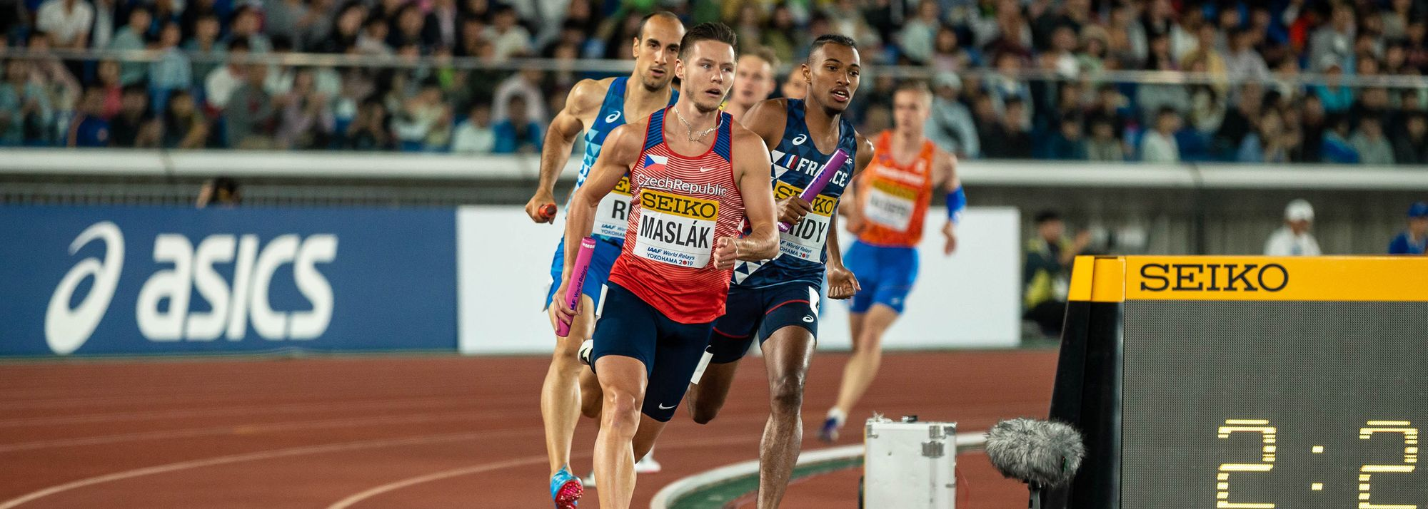 Three-time world indoor champion Pavel Maslak, European indoor 400m champion Femke Bol, and African 100m champion Akani Simbine are among the big names on the final entry list for the World Athletics Relays Silesia 21.