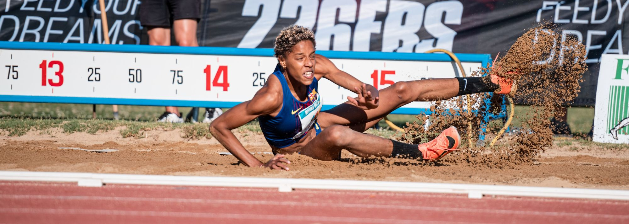 World triple jump champion Yulimar Rojas started her Olympic season in style, leaping a world-leading 15.14m (2.0m/s) to win at the Meeting Toni Bonet in Ibiza, Spain, on Saturday (8).