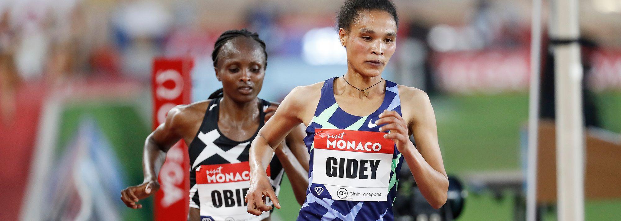 World record-holder takes on world champion