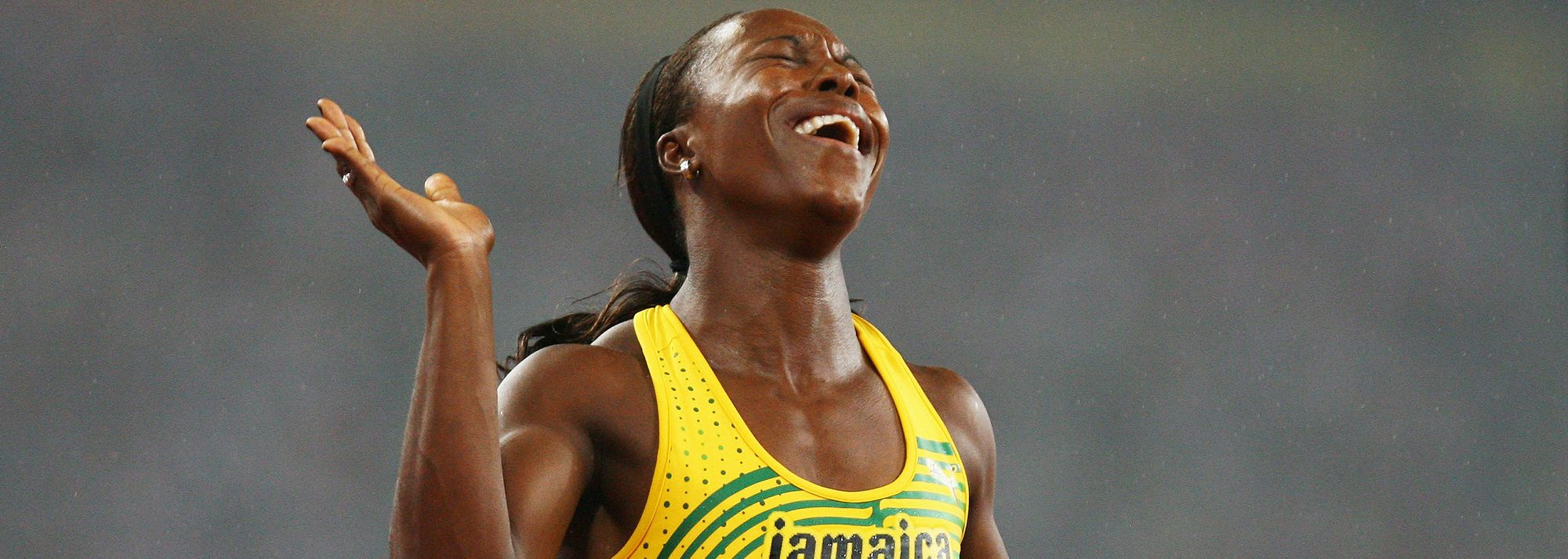 Jamaican sprinter Veronica Campbell-Brown, winner of eight Olympic medals and five world titles, has announced her retirement from competitive athletics.