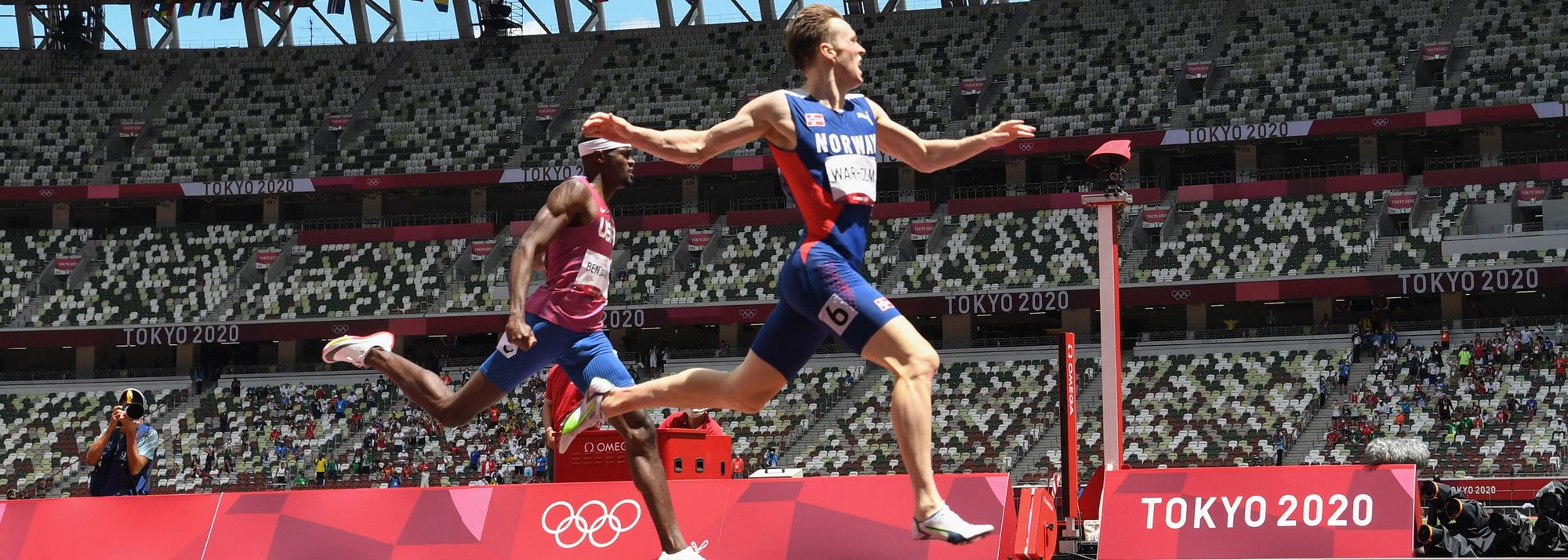 Breathtaking. Stunning. Epic. There aren't enough superlatives to describe the men's 400m hurdles final on Tuesday (3) at the Tokyo Olympic Games.