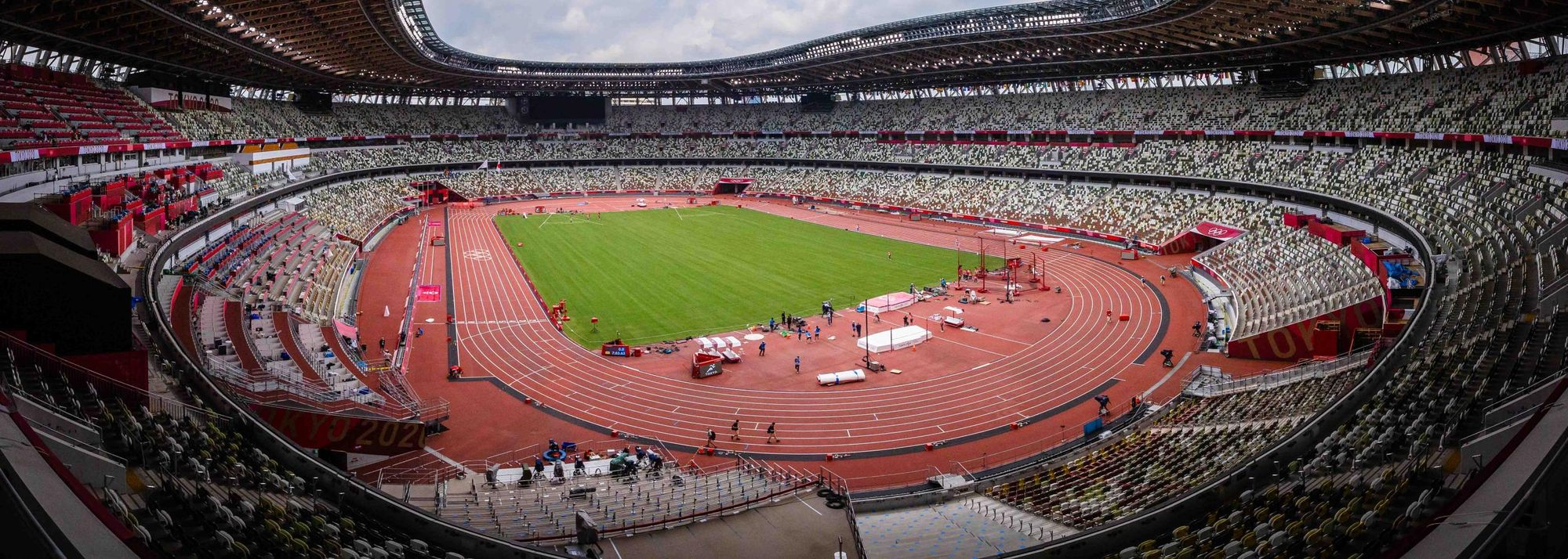 Four years, 11 months and nine days after the action in Rio came to a close, Olympic Games athletics will make its highly anticipated return at Tokyo's Olympic Stadium on Friday (28).