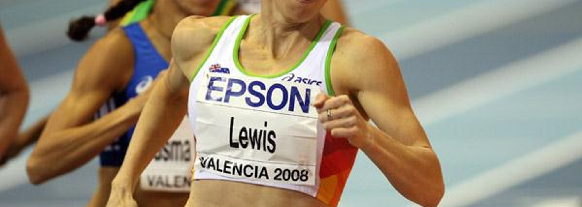 - An hour after winning the world championship 800m gold medal Tamsyn Lewis was still walking around with a look of disbelief on her face.</P>