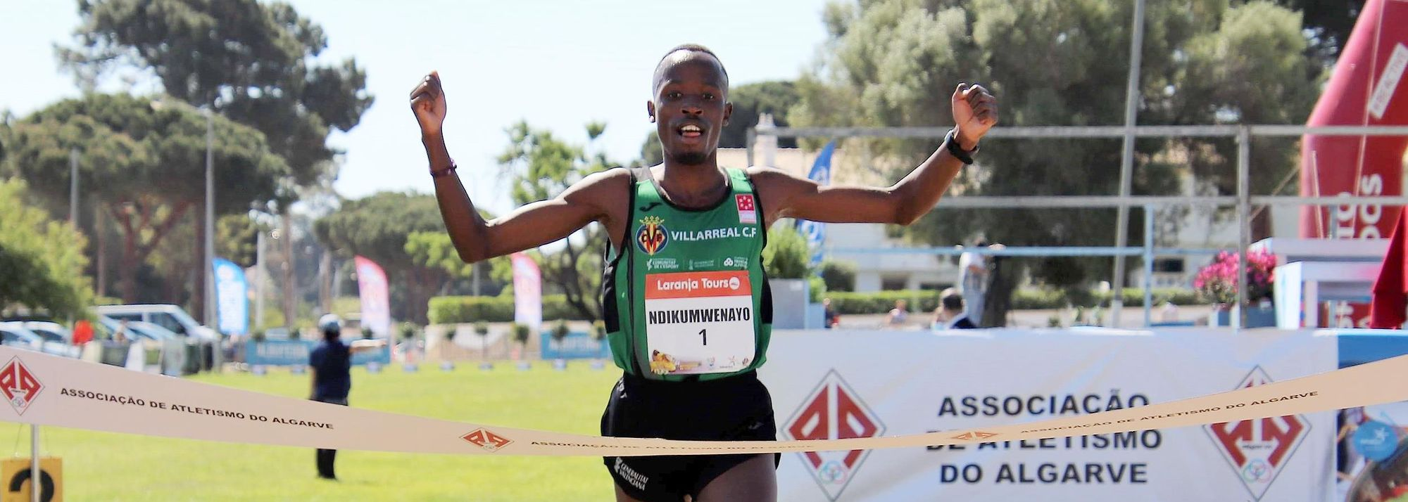 Burundi's Thierry Ndikumwenayo and Ethiopia's Likina Amebaw Ayel were victorious at the Almond Blossom Cross Country, the third and final meeting in the truncated 2021 World Athletics Cross Country Permit series, in Albufeira on Sunday (18).