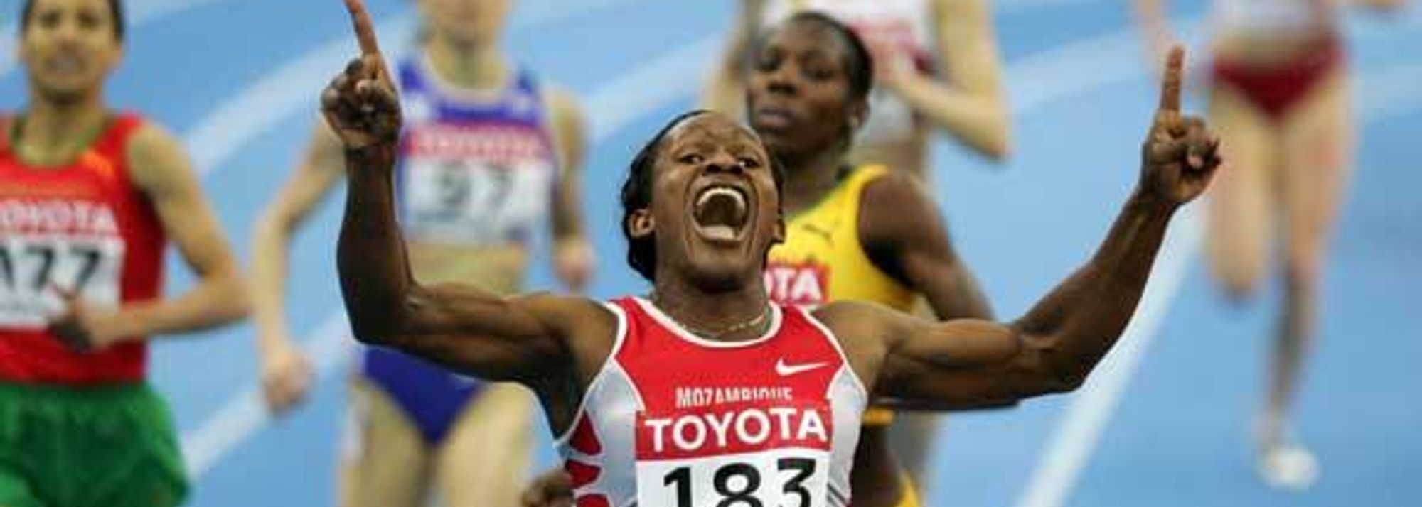 When Maria Mutola won her first indoor title in 1993, runner-up Kenia Sinclair (JAM) was not yet a teenager. Hasna Benhassi (MAR), the bronze medallist here, was barely into her teens. 13 years later, the pair are world class athletes, but are still chasing the Mozambican legend. This weekend in Moscow, they watched as Mutola powered her way to a fourth consecutive World Indoor title, and a nearly unbelievable seventh overall.