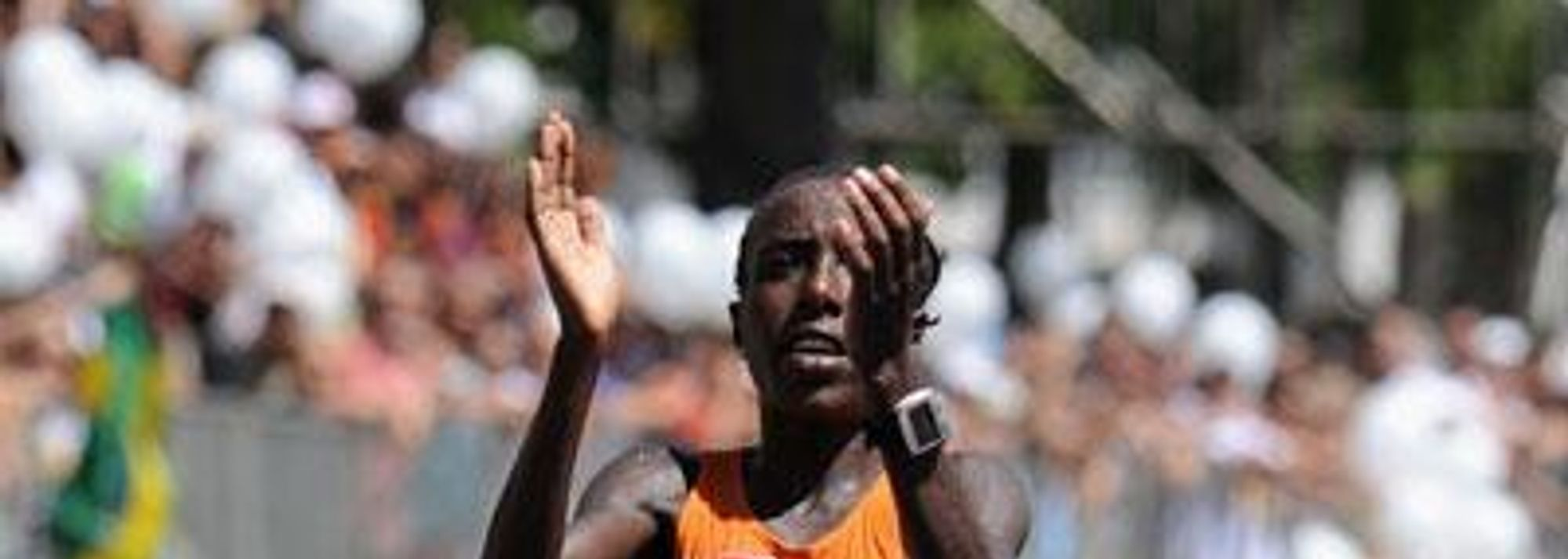 - Lornah Kiplagat producing another&nbsp;staggering performance&nbsp; in perfect conditions retained her global road running title for the second time at today's IAAF / CAIXA World Half Marathon Championships with a runaway victory on a course that stretched along the coastline of this wonderful city.</P>