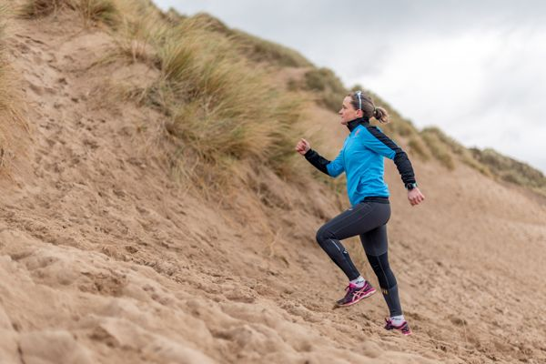 14-running-drills-for-training-on-sand