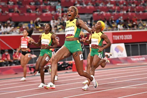 elaine-thompson-herah-olympic-record-100m-tokyo