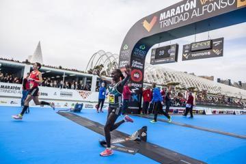 aiyabei-kipchirchir-win-valencia-marathon