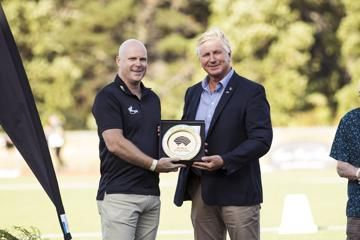 World Athletics Heritage Plaque ceremony, Auckland, New Zealand, Sunday 23 Feb 2020: Cameron Taylor & Geoff Gardner with the Arthur Lydiard plaque
