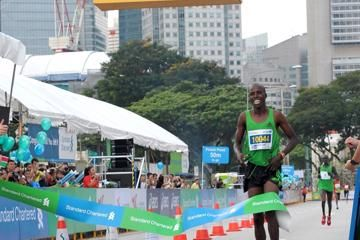 kenyans-lilan-and-kosgei-take-titles-in-singa