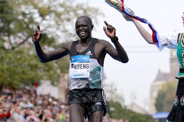 kiyeng-waka-win-2016-kosice-peace-marathon