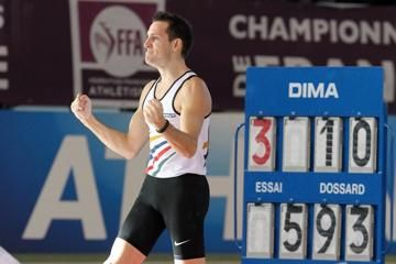 lavillenie-clears-world-leading-593m-at-frenc