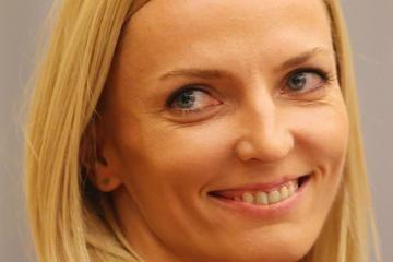 anna-rogowska-world-indoor-championships-pole
