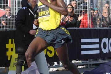 kiprop-and-cheyech-triumph-in-roma-ostia-half