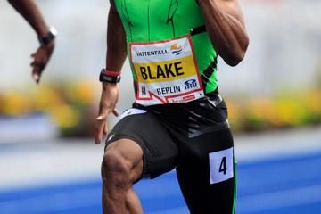 blake-dashes-982-one-of-four-meet-records-to