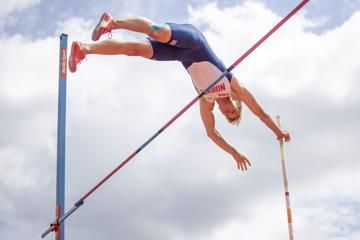 simon-ehammer-long-jump-korte-hurdles-espoo