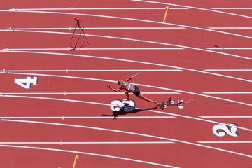 Georganne Moline in the 300m hurdles at the Inspiration Games in California (Kirby Lee)