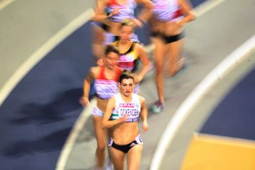 Verity Ockenden leads the 3000m at the British Indoor Championships (Ian MacNicol)
