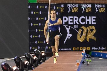 hodgkinson-smashes-world-u20-indoor-800m-record-in-vienna