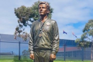 peter-norman-statue-unveiled-melbourne