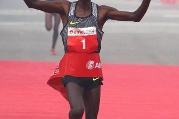 kipchoge-wins-delhi-half-marathon