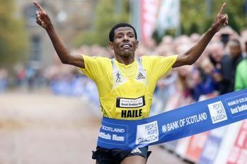 haile-gebrselassie-wins-the-great-scottish-ru