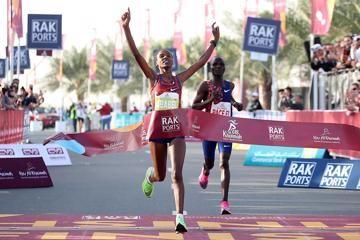yeshaneh-world-record-ras-al-khaimah-half-mar