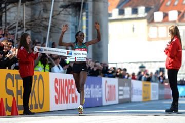 womens-report-world-half-marathon-2014-copenh
