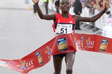 keitany-wins-but-records-blown-off-course-in
