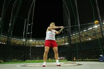 7796m-world-hammer-throw-record-by-wlodarczyk