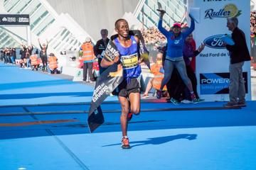 valencia-marathon-mwangangi-naigambo