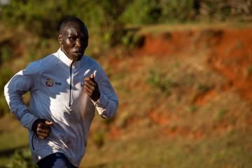 kamworor-struck-by-motorcycle-while-training