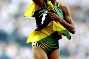 deon-hemmings-jamaica-400m-hurdles