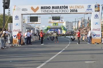 kibet-jepchirchir-win-valenciahalf-marathon