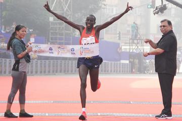 lagat-alemu-set-for-mumbai-marathon-title-def