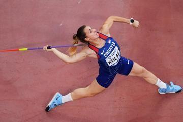 sara-kolak-javelin-throw-olympic-title-defenc