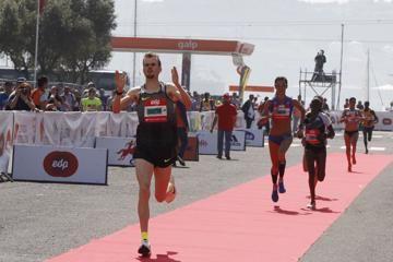 dibaba-robertson-win-edp-lisbon-half-marathon