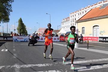 keitany-smashes-race-record-in-lisbon