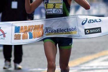 22508-course-record-triumph-for-souad-ait-sal