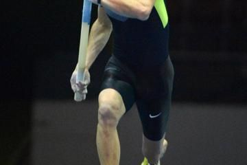 lavillenie-clears-world-leading-586m-at-reno