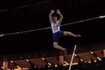 istaf-indoor-lavillenie-discus-world-record