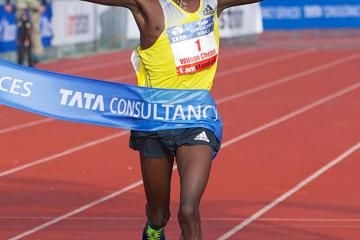 chebet-breaks-amsterdam-course-record-with-th
